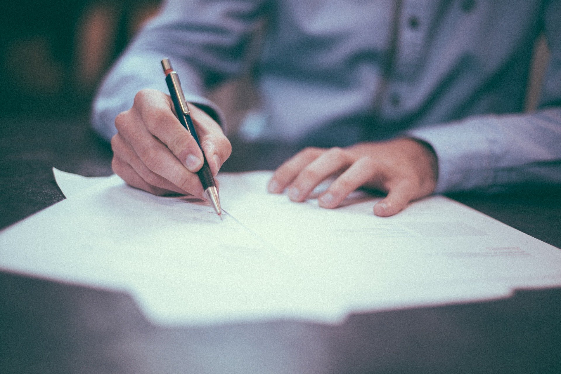 Riesgos de no contratar sistemas de gestión documental